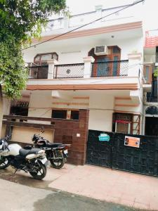 Gallery Cover Image of 1750 Sq.ft 8 BHK Independent House for buy in Sector 19 for 25000000