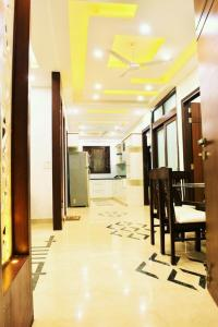 Gallery Cover Image of 1600 Sq.ft 3 BHK Independent Floor for rent in Hari Nagar for 45000