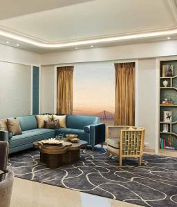 Gallery Cover Image of 1852 Sq.ft 3 BHK Apartment for buy in Worli for 73700000