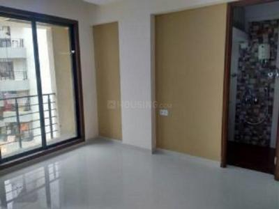 Gallery Cover Image of 565 Sq.ft 1 BHK Apartment for rent in Kandivali East for 18500