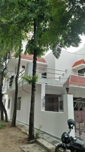 Gallery Cover Image of 2200 Sq.ft 4 BHK Villa for rent in Sector 37 for 40000