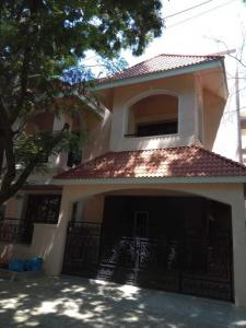 Gallery Cover Image of 5000 Sq.ft 4 BHK Independent House for buy in Kalyan Nagar for 45000000