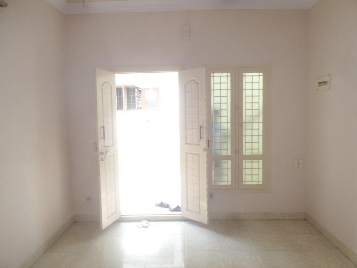 Living Room Image of 1000 Sq.ft 2 BHK Apartment for rent in Chromepet for 12500