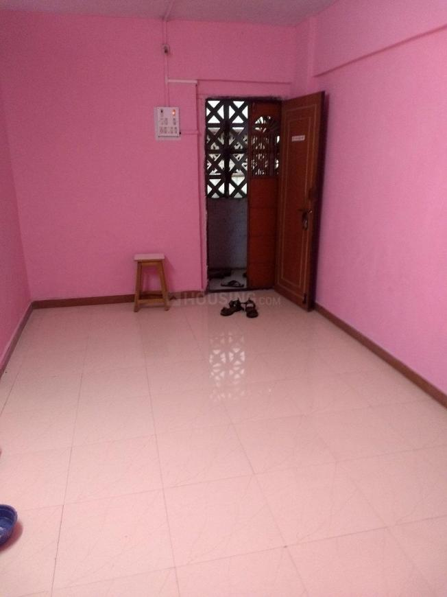 Living Room Image of 550 Sq.ft 1 BHK Apartment for rent in Kalyan East for 6500