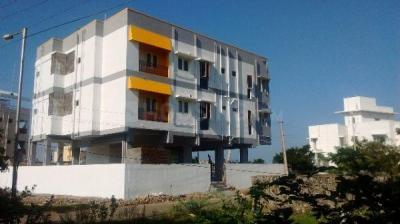 Building Image of Poorani Ladies And Gents Hostel in Sholinganallur