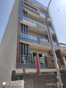 Gallery Cover Image of 2070 Sq.ft 3 BHK Independent Floor for buy in Uppal Southend, Sector 49 for 13500000
