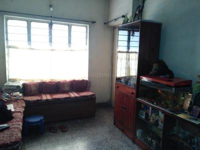 Gallery Cover Image of 700 Sq.ft 2 BHK Apartment for rent in Alipore for 35000