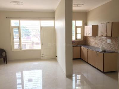 Gallery Cover Image of 1100 Sq.ft 2 BHK Apartment for rent in Kharar for 11000