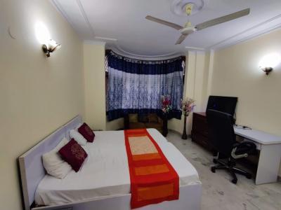 Bedroom Image of Urbanroomz Boys PG in DLF Phase 2