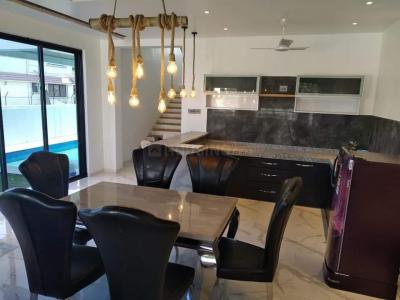 Gallery Cover Image of 800 Sq.ft 1 BHK Apartment for rent in Bandra West for 75000