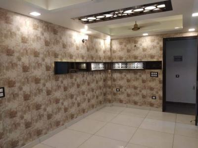 Gallery Cover Image of 950 Sq.ft 3 BHK Apartment for buy in Uttam Nagar for 4500000