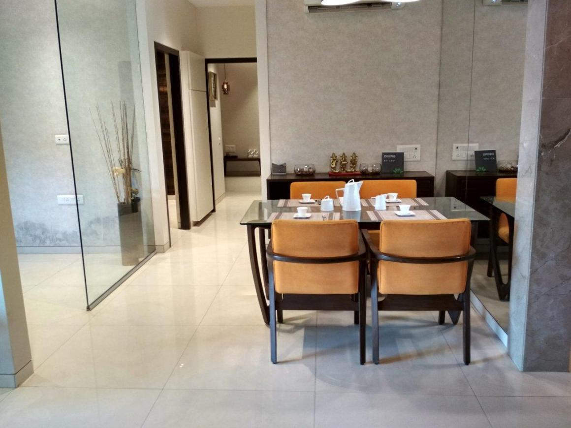 Living Room Image of 1380 Sq.ft 3 BHK Apartment for buy in Thane West for 13800000