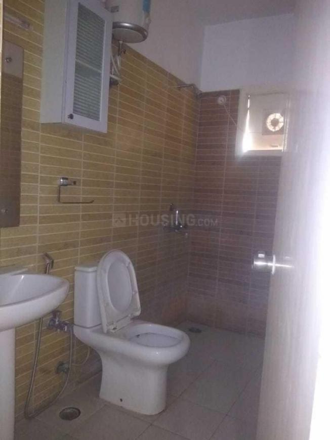 Bathroom Image of 1200 Sq.ft 1 BHK Apartment for rent in Saroornagar for 13000