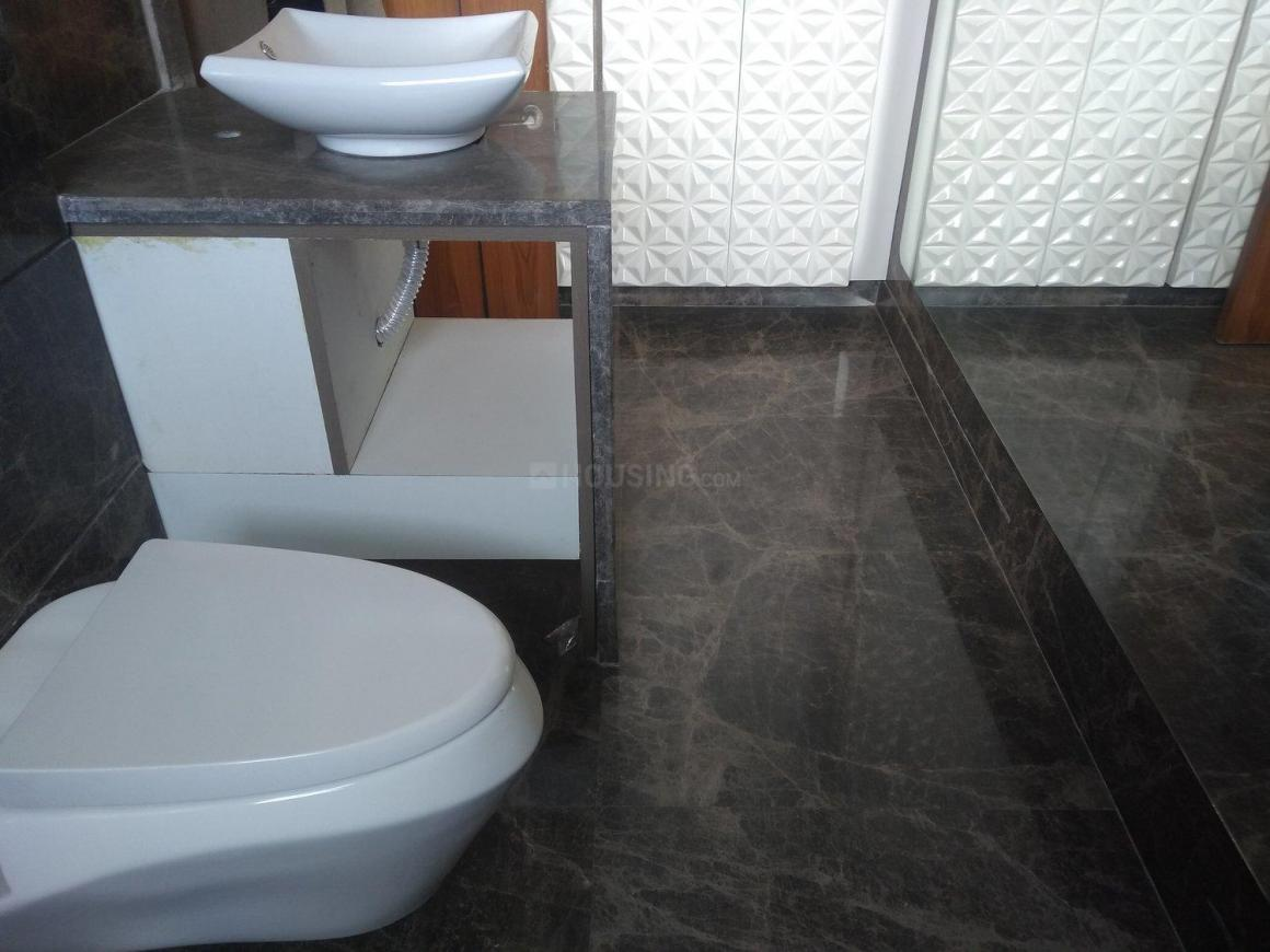 Common Bathroom Image of 2700 Sq.ft 3 BHK Independent Floor for buy in DLF Phase 1 for 22500000