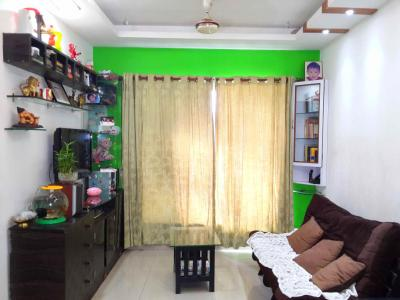 Gallery Cover Image of 630 Sq.ft 1 BHK Apartment for buy in Malad East for 9600000
