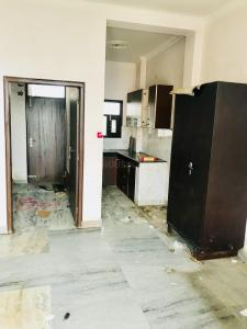 Gallery Cover Image of 680 Sq.ft 1 BHK Independent Floor for rent in Ansal Sushant Floors, Sector 57 for 11000