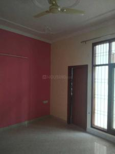 Gallery Cover Image of 1300 Sq.ft 2 BHK Independent Floor for rent in Sector 122 for 13500