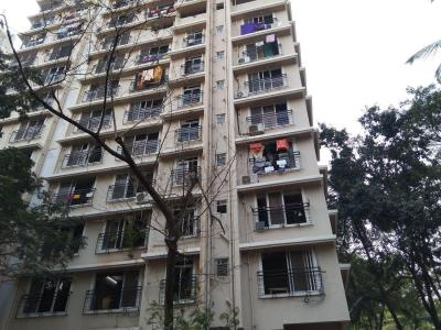 Gallery Cover Image of 750 Sq.ft 2 BHK Apartment for buy in Man S N Saket CHSL, Goregaon West for 16500000