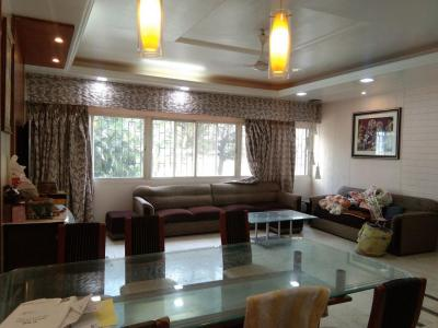 Gallery Cover Image of 2500 Sq.ft 4 BHK Apartment for rent in Kothrud for 70000