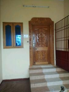 Gallery Cover Image of 1000 Sq.ft 2 BHK Independent Floor for rent in Pozhichalur for 9000