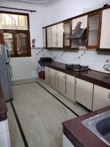Kitchen Image of Arzoo Home's in Sector 41