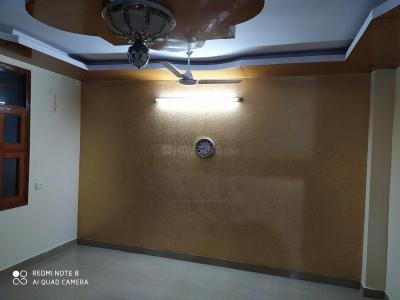 Gallery Cover Image of 650 Sq.ft 2 BHK Independent Floor for rent in Dwarka Mor for 11000