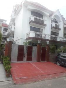 Gallery Cover Image of 5000 Sq.ft 10 BHK Independent House for buy in Sector 51 for 80000000