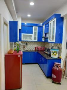 Gallery Cover Image of 1010 Sq.ft 2 BHK Apartment for rent in Gaursons Gaur City 2 11th Avenue, Noida Extension for 16000