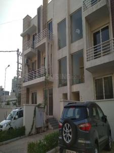 Gallery Cover Image of 2400 Sq.ft 3 BHK Independent Floor for rent in Courtyard, Sector 48 for 28000