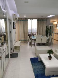 Gallery Cover Image of 1725 Sq.ft 3 BHK Apartment for buy in Chi V Greater Noida for 7800000
