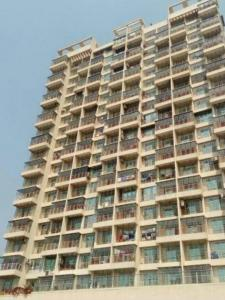 Gallery Cover Image of 660 Sq.ft 1 BHK Apartment for rent in Bhoomi Symphony, Kopar Khairane for 22000