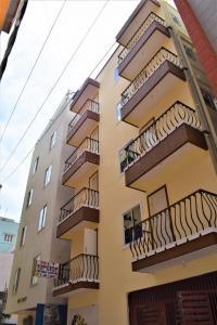 Gallery Cover Image of 300 Sq.ft 1 RK Independent Floor for rent in Kartik Nagar for 12000