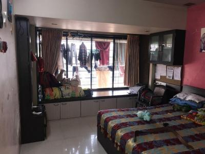 Gallery Cover Image of 662 Sq.ft 2 BHK Apartment for buy in Kandivali West for 16500000