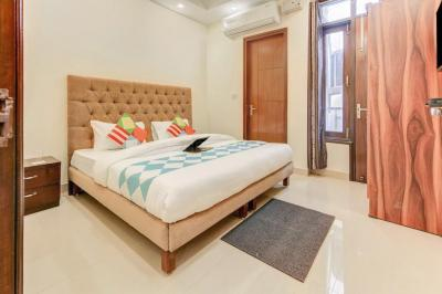 Gallery Cover Image of 400 Sq.ft 1 RK Apartment for rent in Chhattarpur for 4500
