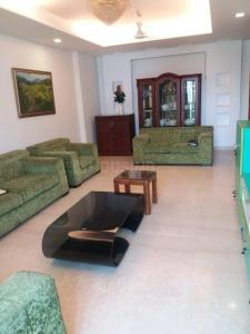 Gallery Cover Image of 2950 Sq.ft 4 BHK Independent Floor for rent in  Defence Colony, Defence Colony for 160000