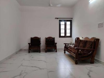 Gallery Cover Image of 980 Sq.ft 2 BHK Apartment for rent in Shikha Apartments, Patparganj for 25000