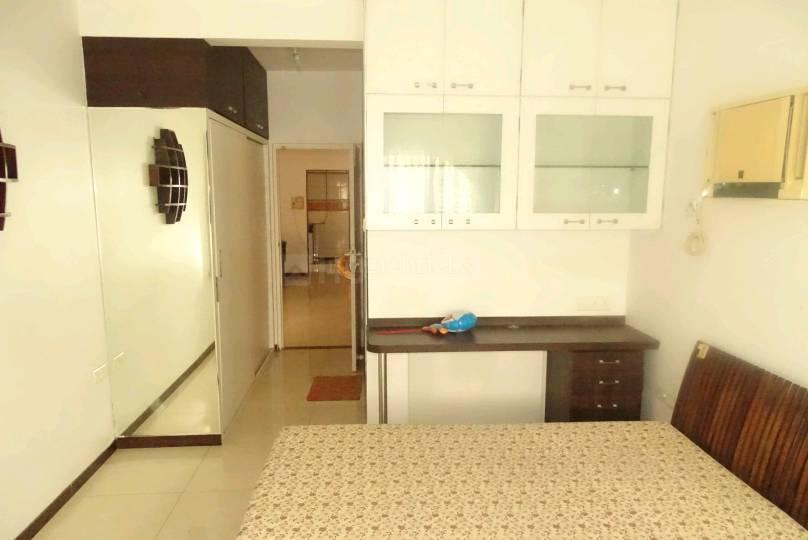 Bedroom Image of 880 Sq.ft 2 BHK Apartment for buy in Malad East for 11600000