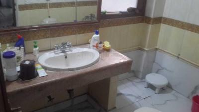 Common Bathroom Image of Girls PG in DLF Phase 2