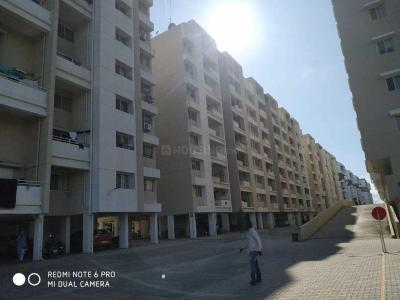 Gallery Cover Image of 980 Sq.ft 2 BHK Apartment for rent in Mundhwa for 20000