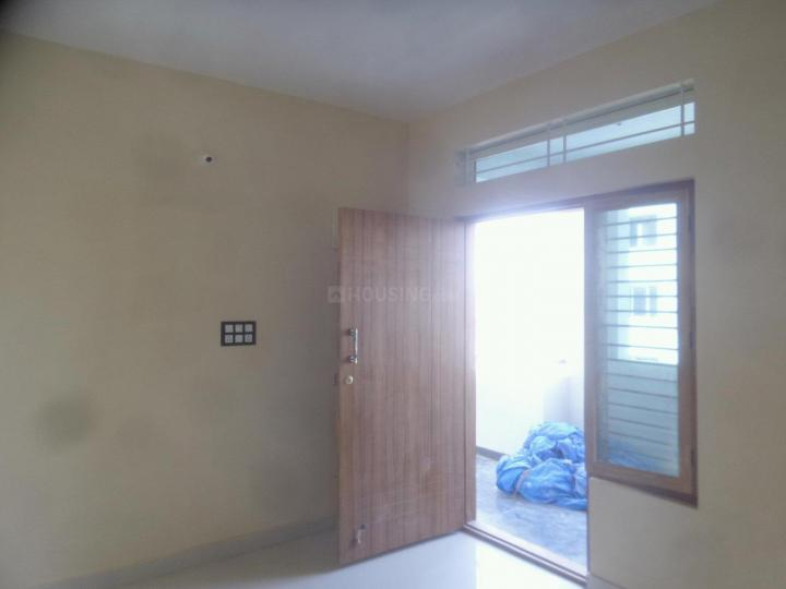 Living Room Image of 750 Sq.ft 2 BHK Apartment for rent in Panathur for 18000