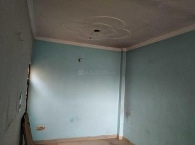 Gallery Cover Image of 650 Sq.ft 2 BHK Independent Floor for rent in Sector 5 Rohini for 12000