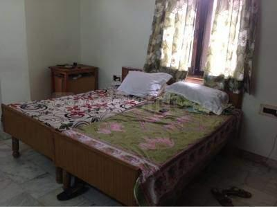 Bedroom Image of Upkar Kaur PG in Karol Bagh