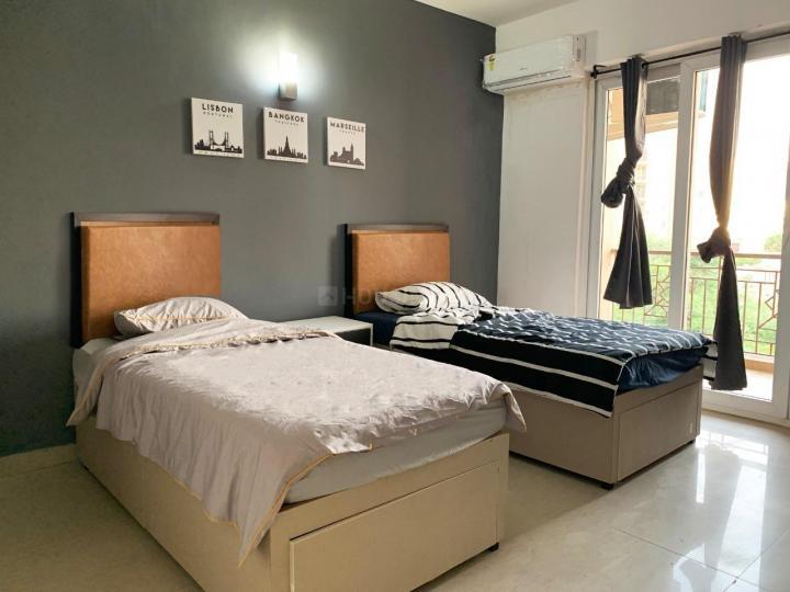 सेक्टर 69 में हौसर कोलिविंग के बेडरूम की तस्वीर