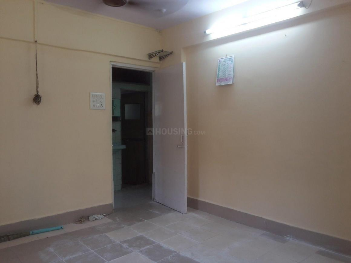 Living Room Image of 610 Sq.ft 2 BHK Apartment for rent in Andheri East for 28000