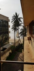 Gallery Cover Image of 950 Sq.ft 2 BHK Apartment for rent in Sea Palace Premises, Juhu for 85000