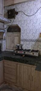 Gallery Cover Image of 550 Sq.ft 1 BHK Apartment for rent in Sarita Vihar RWA Pocket M and N, Sarita Vihar for 16000