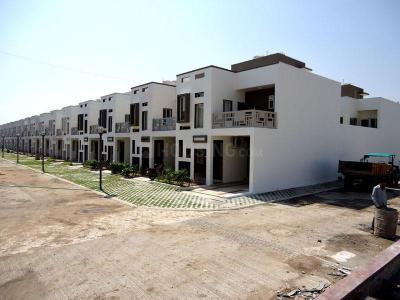 Gallery Cover Image of 1633 Sq.ft 3 BHK Apartment for rent in Sarthak BRG Shangri La, Arandia for 10000