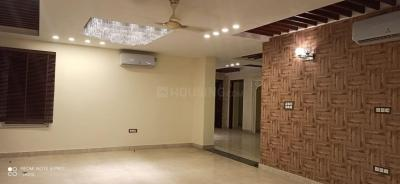 Gallery Cover Image of 2500 Sq.ft 4 BHK Independent Floor for rent in Unitech South City II, Sector 49 for 35000