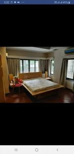 Bedroom Image of Flat Single Bedroom in Shivaji Nagar