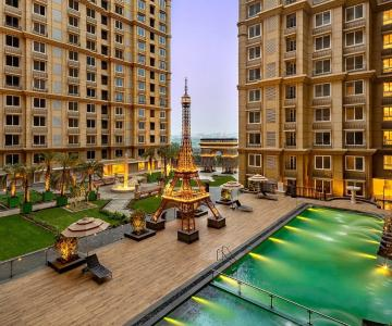 Gallery Cover Image of 1200 Sq.ft 3 BHK Apartment for buy in Bandra East for 44900000